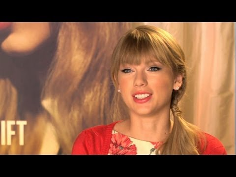 taylor swift new song 39 i knew you were trouble 39 preview singer reveals clip off new album 39 red. Black Bedroom Furniture Sets. Home Design Ideas