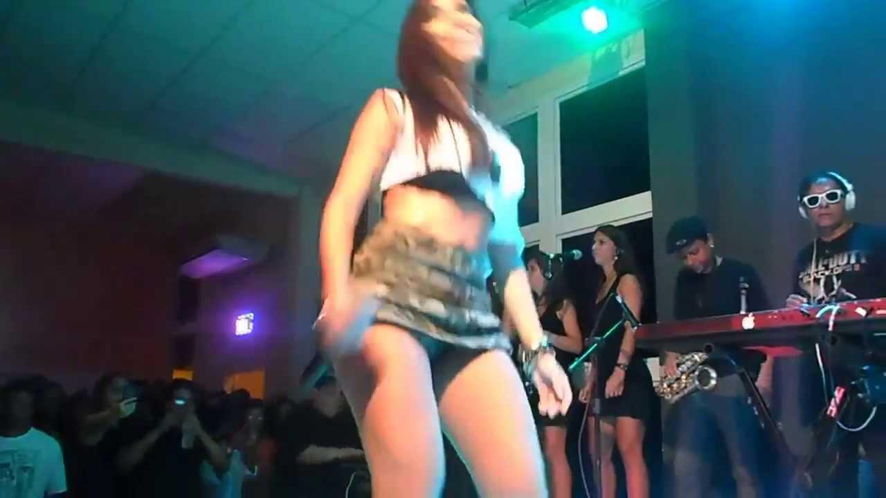 Gostosas no baile funk decada de 90 - 2 part 4