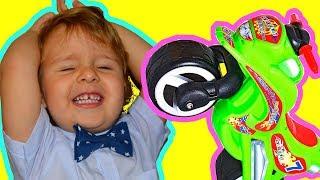Машинки -ДРУЗЬЯ мальчиков, шутка! Видео приколы и смешные видео Машинки для мальчиков Сашины машины