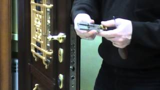 Замена цилиндра в дверях(http://int-time.ru., 2014-02-15T09:34:43.000Z)
