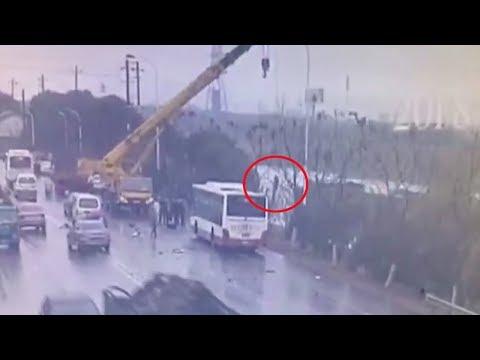 Crane driver swiftly