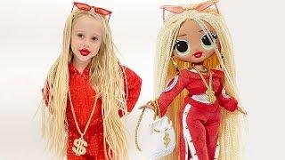 Download Настя наряжается как кукла Mp3 and Videos