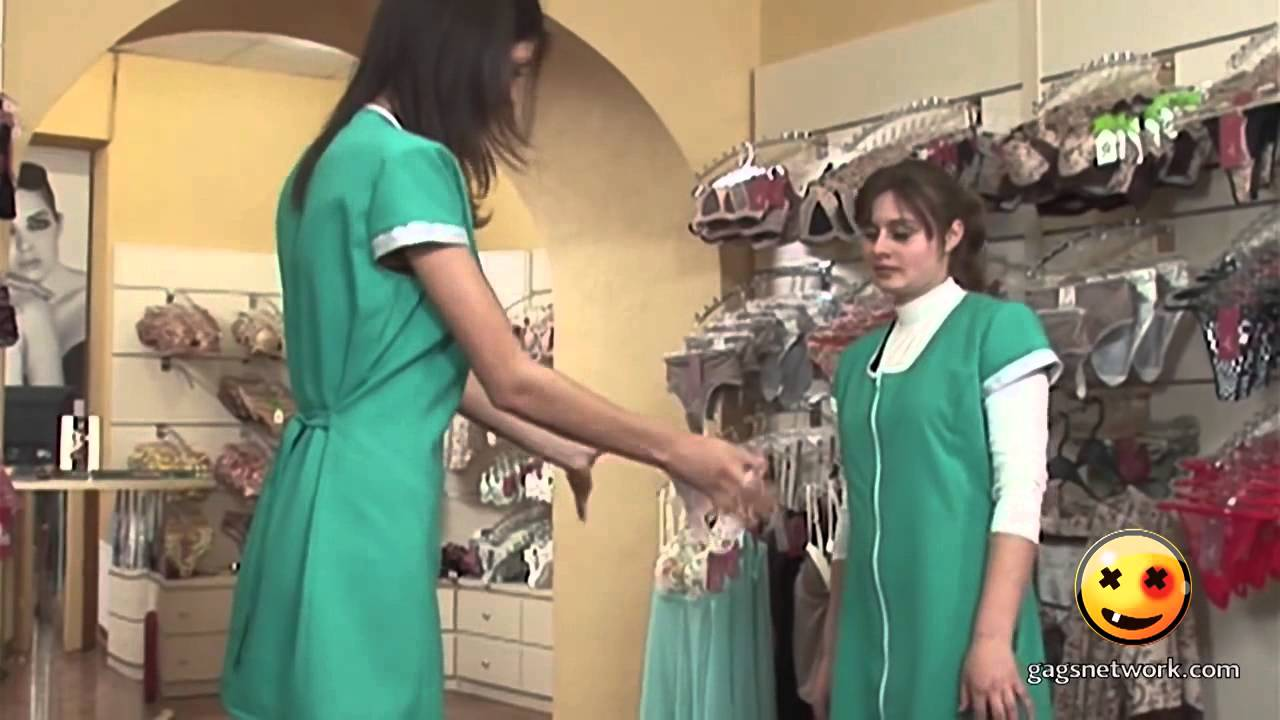 Фото девушки примеряют страпомы фото 594-506