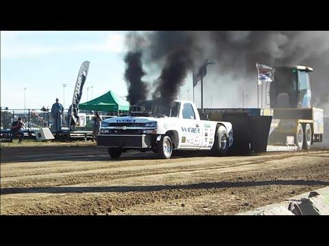 "WAGLER ""SHOP TRUCK"" DX500 PULLING @ UCC '17"