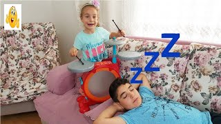 Zehra And Yusuf Pretend Play With Musical Instruments Toys For Kids VIP Vlad 2018