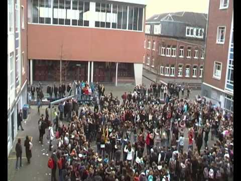 Flashmob Sint-Norbertu... Fergie