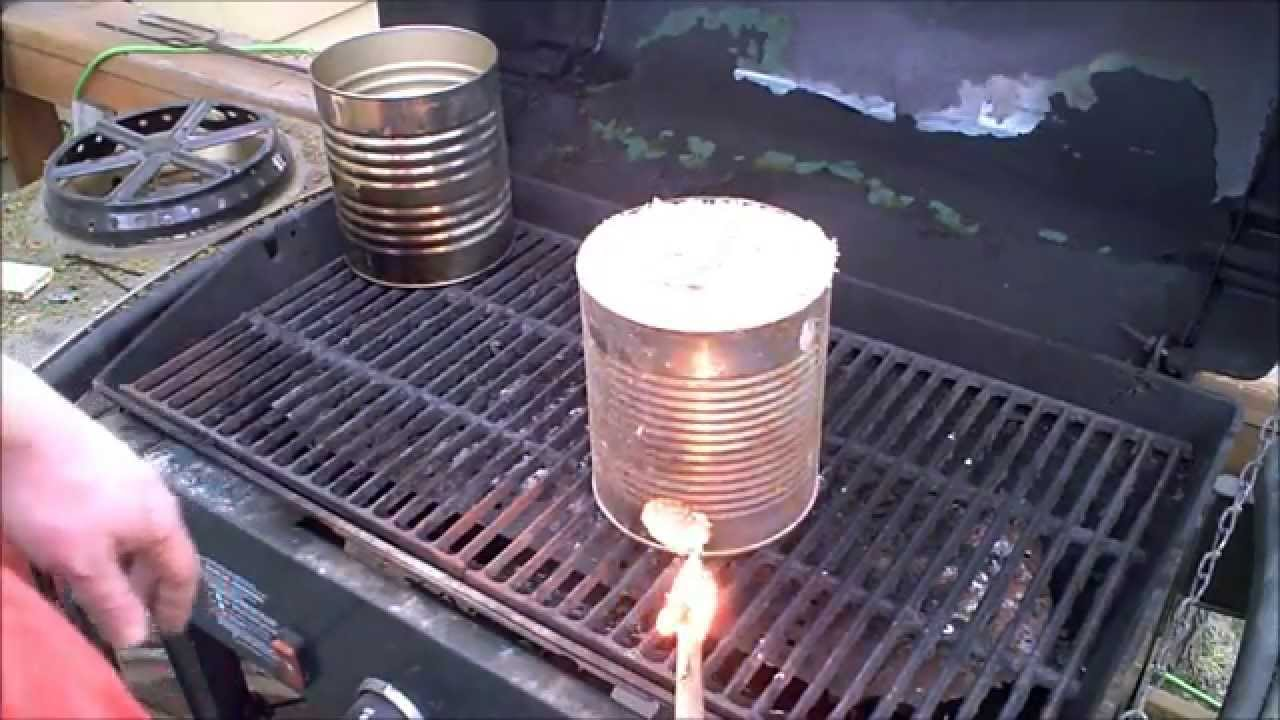 Mini sawdust stove rocket for cooking or heating