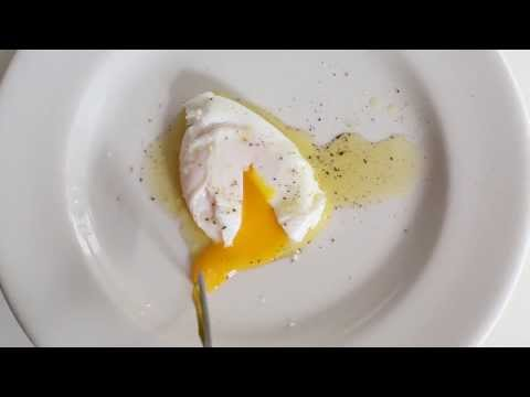 The Right Way To Poach An Egg | HuffPost Life