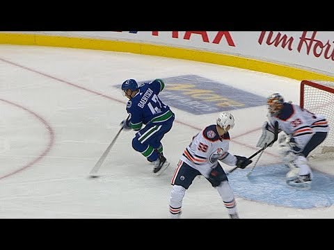 Baertschi goes between the legs for beautiful goal