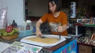 Приготовление мороженого на улицах Нячанга.