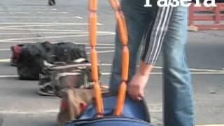Как собаки на таможне задерживают контрабандистов