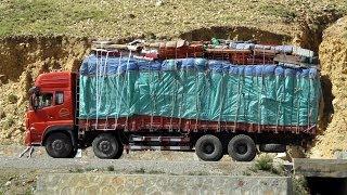 Amazing Trucks on extreme roads in China, Himalayas