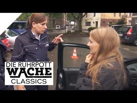 Verkehrskontrolle mit Folgen: Frau durch Autokauf in Gefahr   Katja Wolf   Die Ruhrpottwache   SAT.1