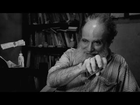 Vivir y morir en una bañadera: unas horas con Rafael Almanza