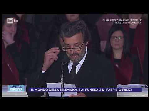 Funerali Frizzi, Falvio Insinna legge la poesia 'Amicizia' di Borges - La Vita in Diretta 28/03/2018