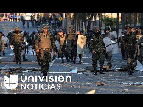 Policía de Honduras agrede a periodistas de Univision, Telesur y Une TV durante protestas