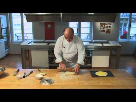 Comment confectionner une galette des rois? par Pierre-Dominique Cécillon pour Larousse Cuisine