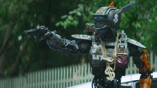 """Чаппи учиться угонять тачки! Отрывок из фильма """"Робот по имени Чаппи"""""""