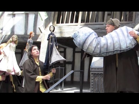 Full Fountain of Fair Fortune show at Diagon Alley - Tales of Beedle the Bard