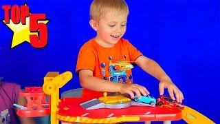 Видео про Машинки для детей с Даником Носики Курносики - Треки Паркинги Грузовички. ТОП-5
