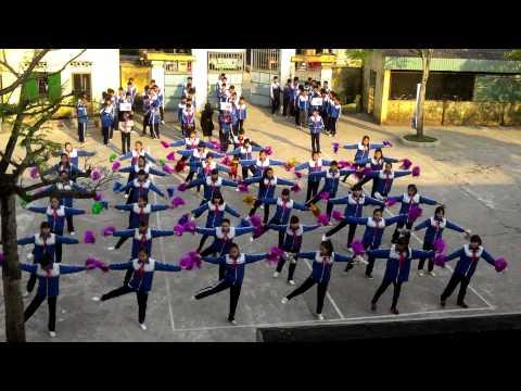 Đồng diễn bài thể dục liên hoàn nữ lớp 8 tại HKPĐ 2014