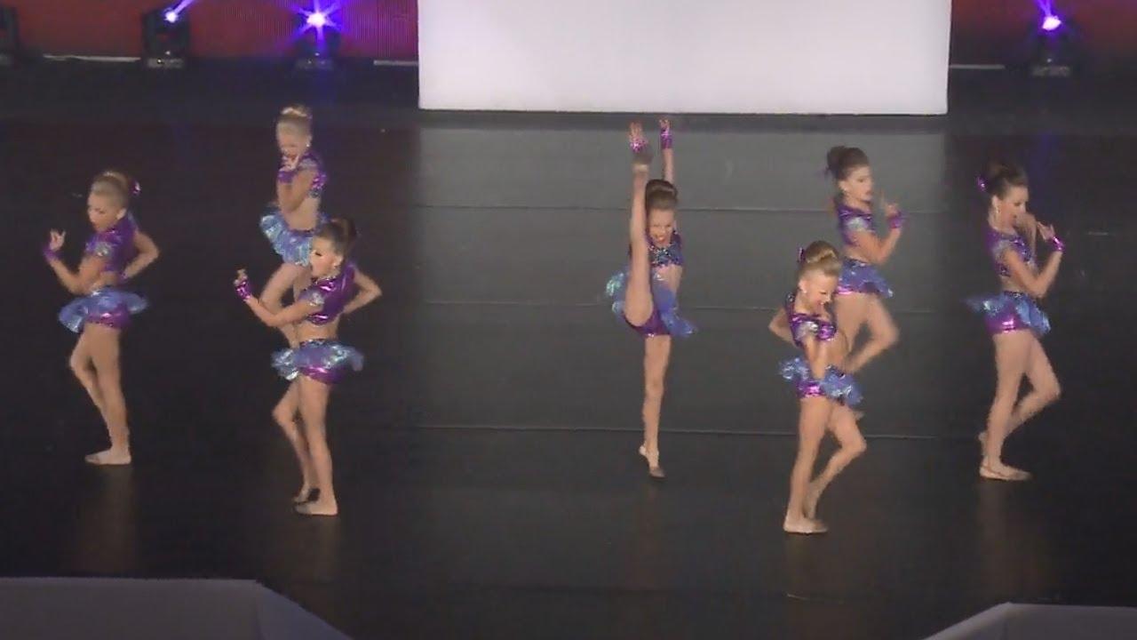 Club Dance Studio - Schoolin' Life - DancingWithYT