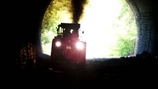 3 Lanz Bulldog in einem Tunnel