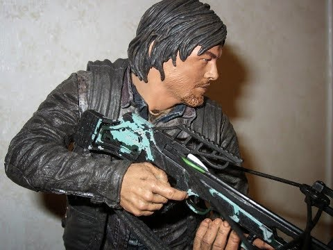 Daryl Dixon Statue Unboxing!