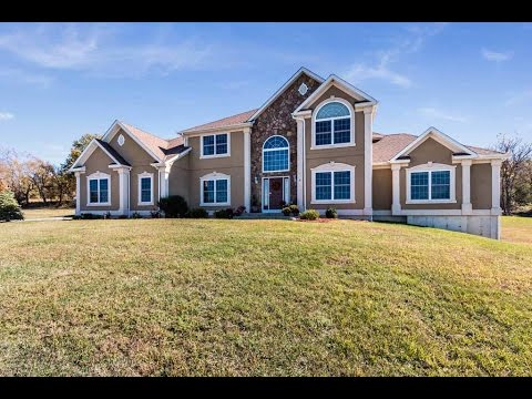 Real Estate Video Tour   26 Erin Court, Middletown, NY 10941   Orange County, NY