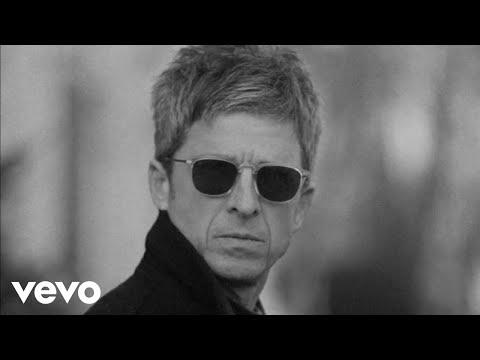 Смотреть клип Noel Gallagher'S High Flying Birds - Flying On The Ground