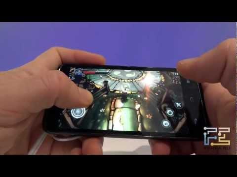 Hands On. Huawei Ascend D Quad. Ferra.ru