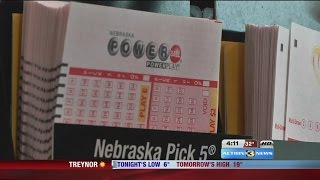 Powerball jackpot rises to $500 million, how to get free lotto tickets