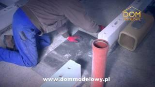 Proces stawiania komina Plewa w Domu Modelowym