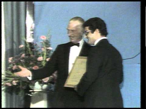 Mahmoud Oskoui receives the Royal Television Society Award