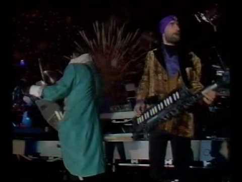 Jean Michel Jarre - Industrial Revolution (Live In London, At Destination Docklands, 1988)