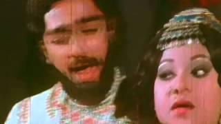 Kinnaththil Then - Rajnikanth, Kamal Haasan, Sripriya - Romantic Song - Illamai Oonjaladiukirathu