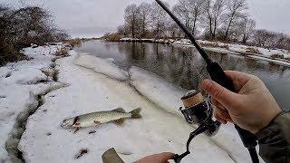 НЕПРИСТОЙНО БАГАТО ЩУКИ! Зимовий спінінг і рибалка на щуку 2019! Ловля щуки на малій річці взимку