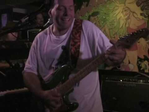 Mike Keneally & Beer For Dolphins   June 21, 1998 – The Court Tavern    New Brunswick, NJ   Part 1