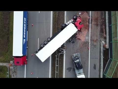 Groźny wypadek na A2