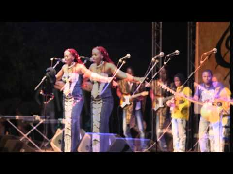 Sadio Sidibé in Concert