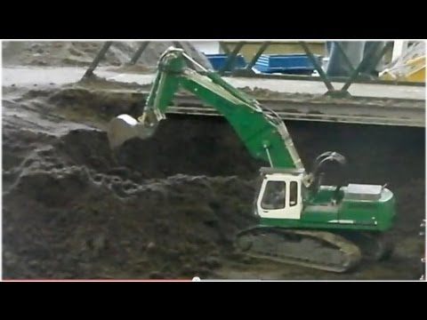 Premacon RC Excavator Liebherr 944B