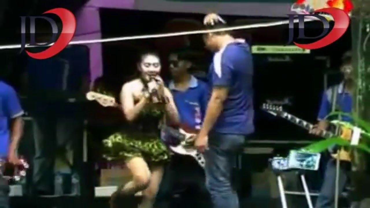 Dangdut Pantura ☆ Penampilan Gila ☆ Norma Silvia ✓ - YouTube