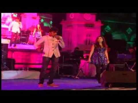 Mashallah(Ek tha tiger) song by Shreya Ghoshal Live at Dharwad Utsav 2013 Dec15