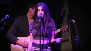 CHLOE CASTLEDINE (LIVE) - Running Back