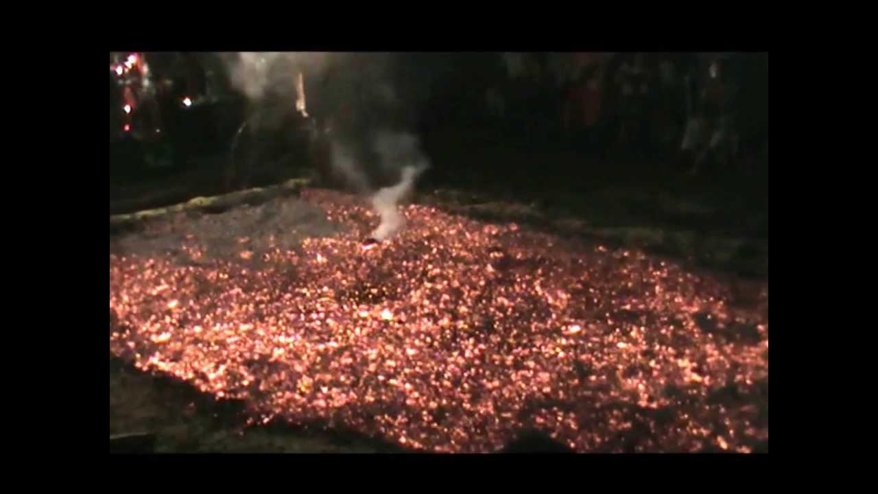 Marche sur le feu à la Ligne Paradis le 26/01/2014. - YouTube