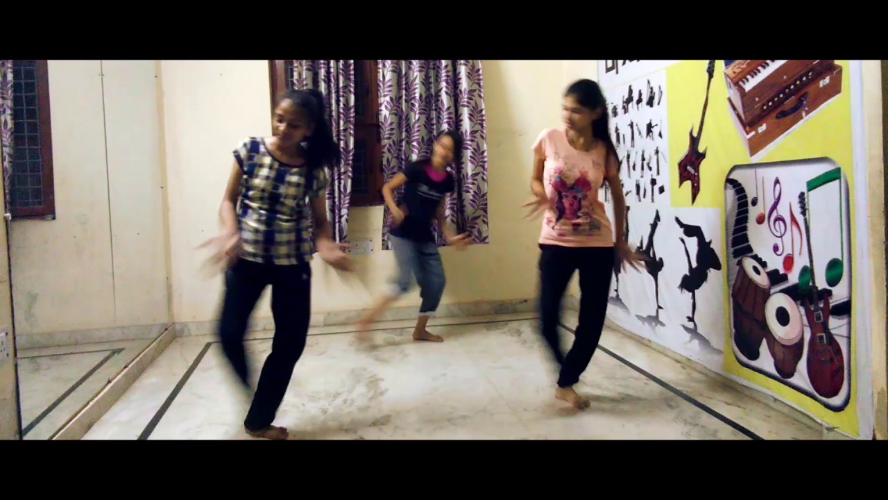 Tu cheez badi h mast song choreography - YouTube