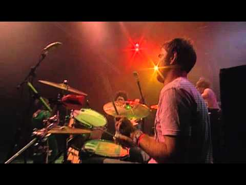 Basement Jaxx - Good Luck ( Glastonbury 2004 Live )
