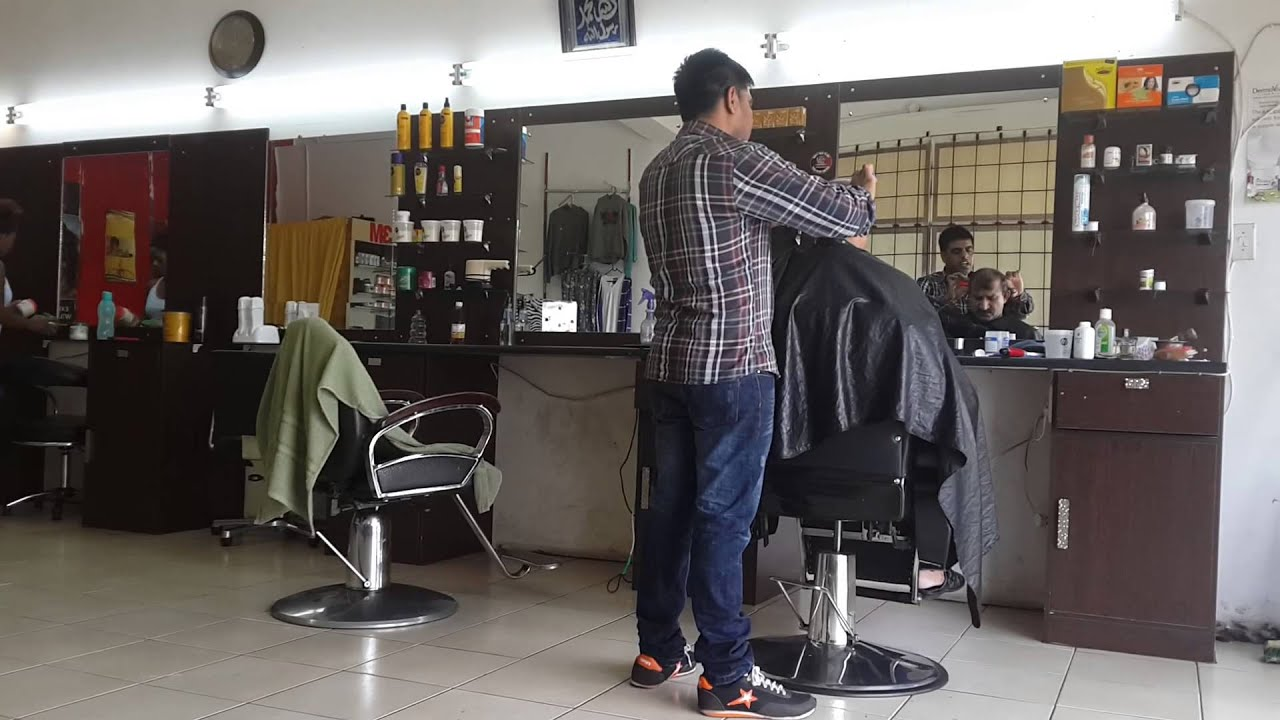 O Shopping Hair Styler: Pakistani Barber Cutting Hair