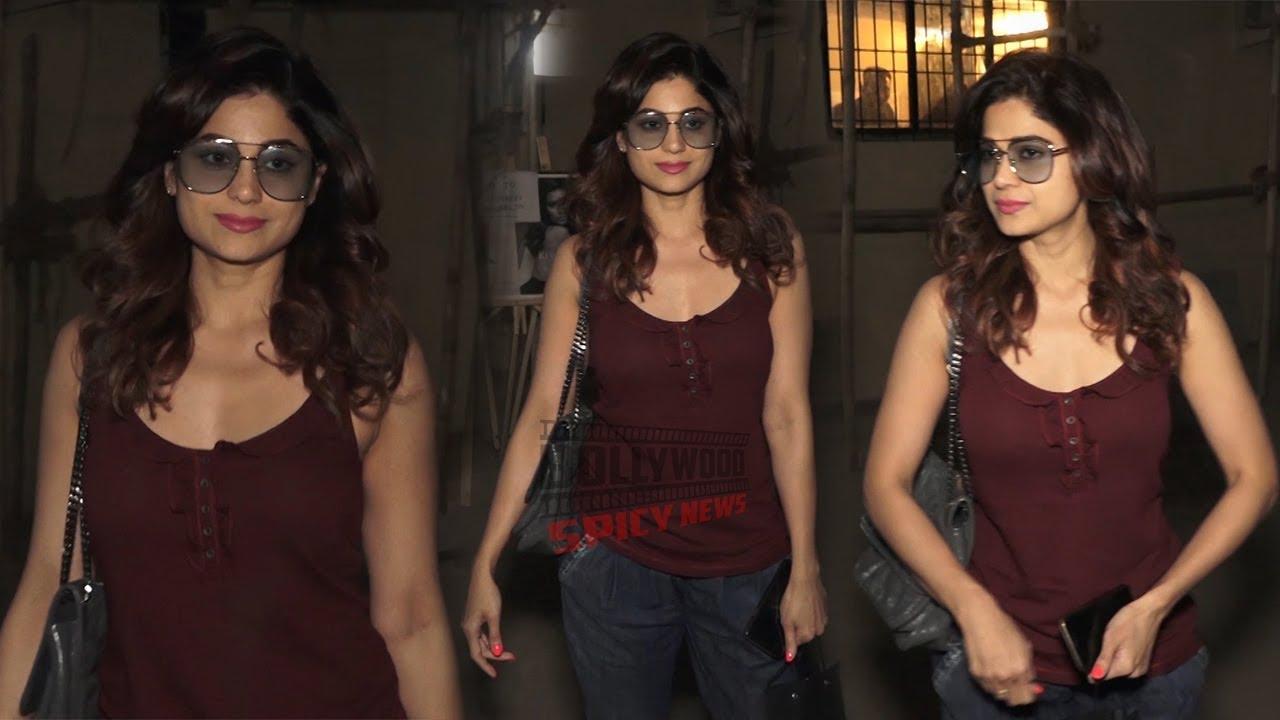 Gorgeous Shamita Shetty Spotted at Kromakay Salon