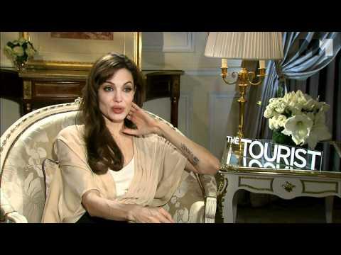The Tourist | Angelina Jolie Interview - über den Charakter von Elise